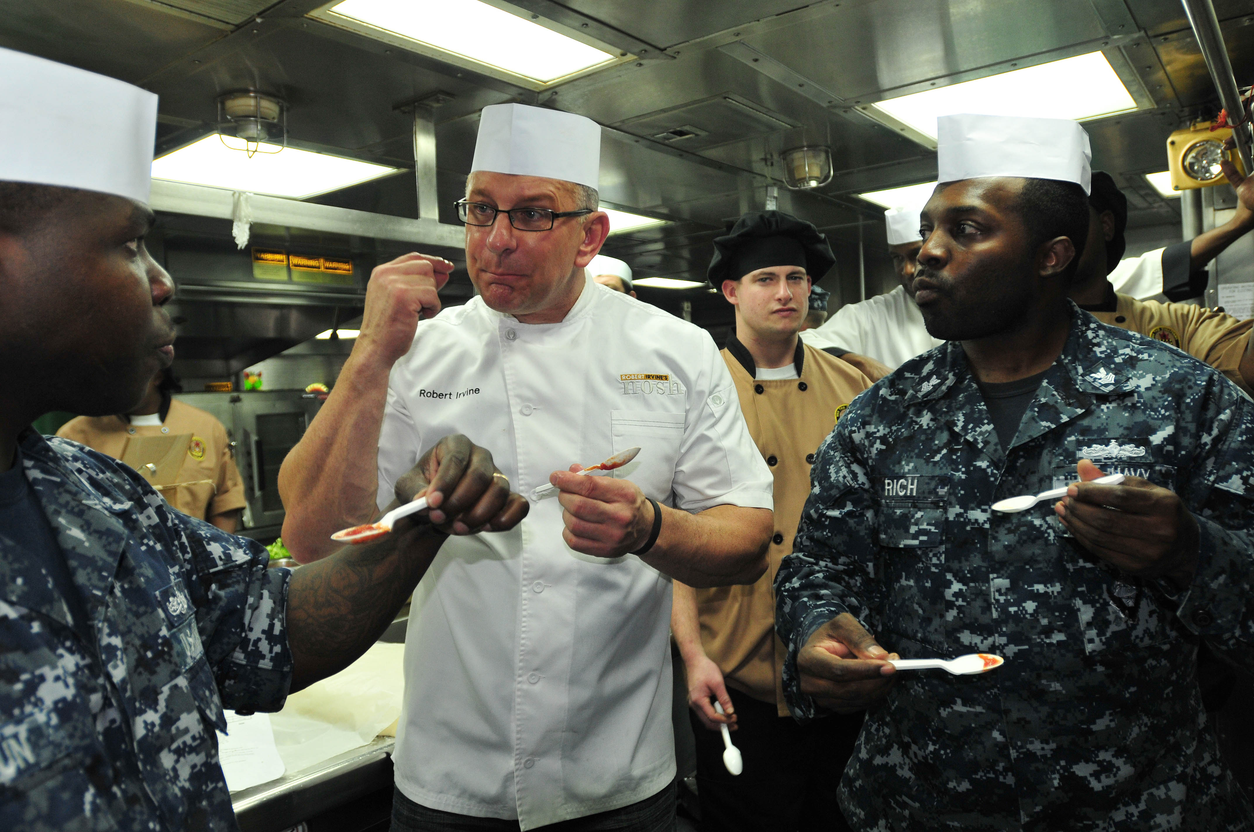 Robert Irvine with military members